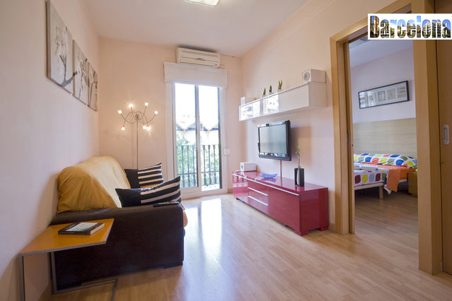 sala de estar barcelona centric apartment