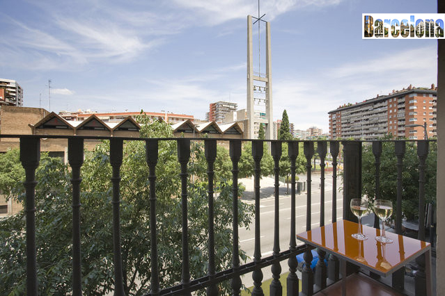 balcone barcelona centric apartment